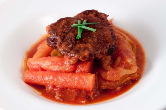 Braised Chuck Eye with Cabbage and Diavolo Sauce-1